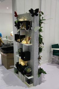 Shop display in acoustic fibre
